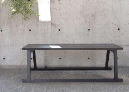 husky-bench-2