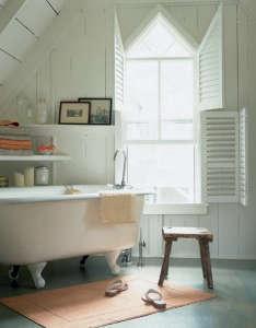 hutker-oak-bluffs-bath.jpg