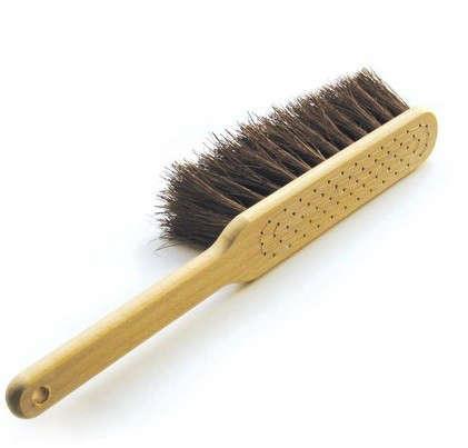 iris-hantverk-dust-brush
