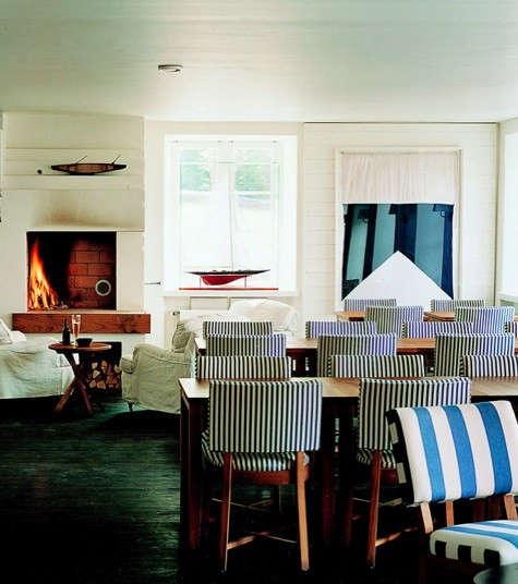 j-hotel-fireplace