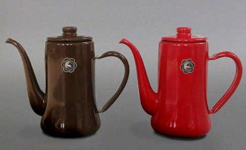 labour-and-wait-enamel-pots
