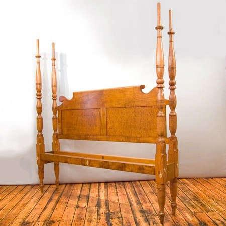 leonards-antiques-bed