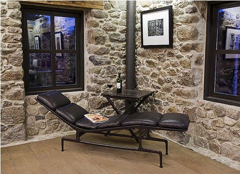 maisonry-black-chaise