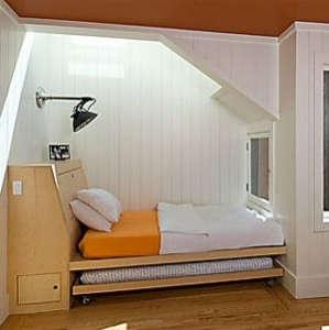 malcolm-davis-built-in-bed.jpg