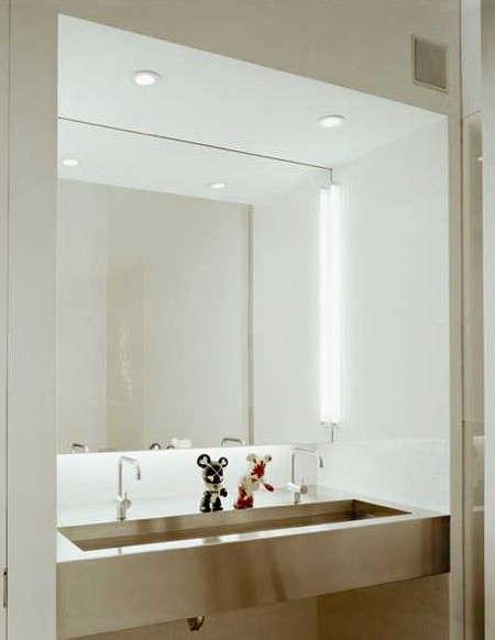 messana-ororke-storefront-bathroom