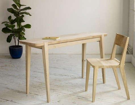 moe-table-chair