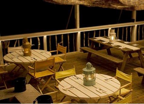 montauk-lodge-picnic-table