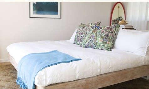 montauk-surf-lodge-bed-paisley