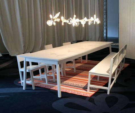 moooi-shaker-table-and-chairs