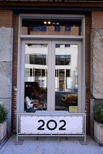 nicole-farhi-202-exterior