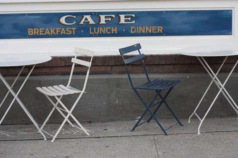 oddfellows-cafe-tables