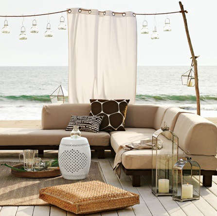 outdoors shade curtain from west elm remodelista. Black Bedroom Furniture Sets. Home Design Ideas