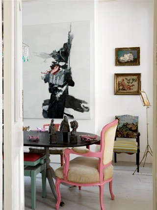 pink-chair-photographer