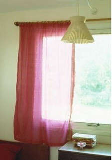 pink-curtain-voile