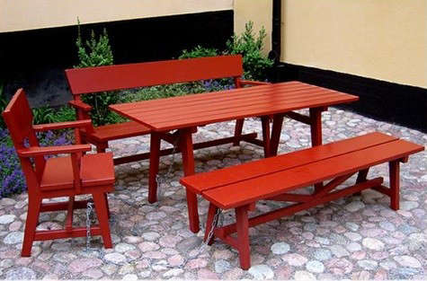 red-outdoor-furniture