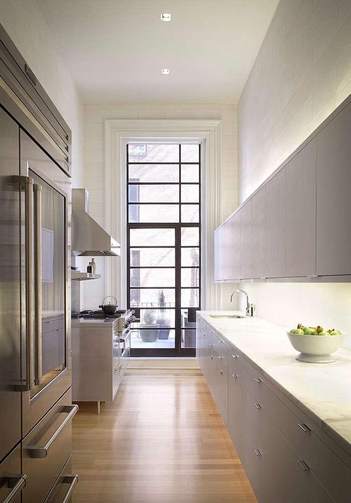 Designer visit mixed media in kitchens remodelista for Kitchen design visit