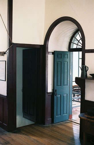 shaker-arched-doorway