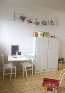 simple-childrens-room-4.png