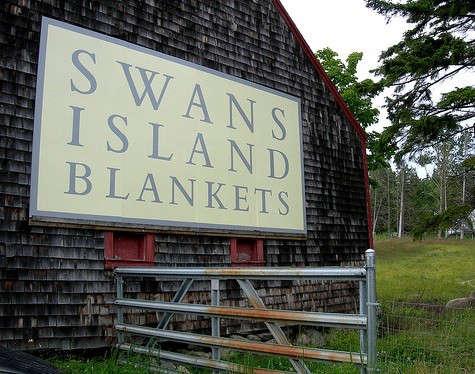 swans-island-barn