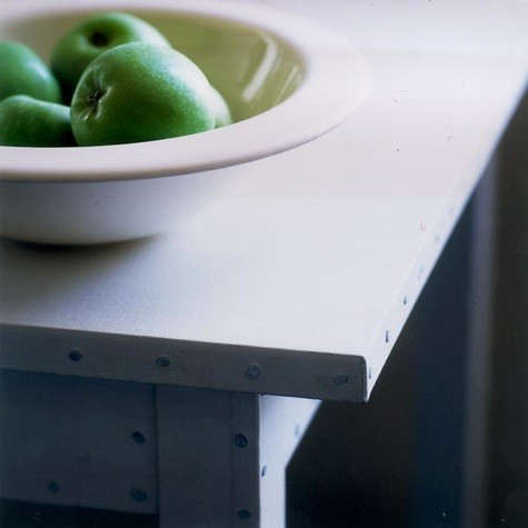 table-blanc-ann-demeustelleer