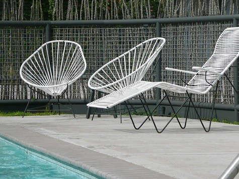 thunderbird-white-chairs