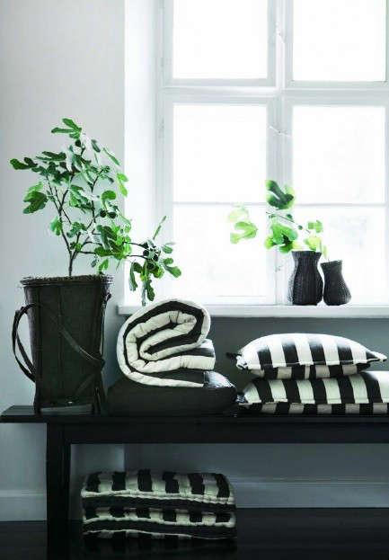 tine-k-black-white-pillows