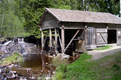 Stedsans in the Woods A Restorative CarbonNeutral OfftheGrid Getaway in the Swedish Forest portrait 48