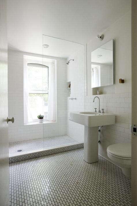 elizabeth-roberts-tiled-bath