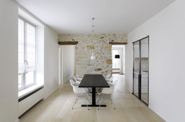 640_antonio-virga-stone-wall-office-table