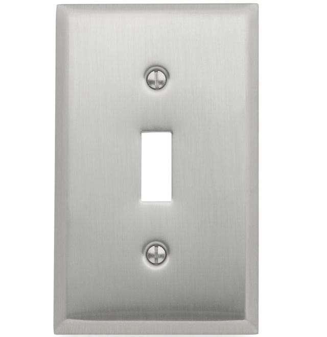640_baldwon-classic-beveled-edge-switchplate-lg