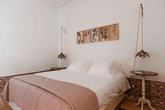 640_bedroom-pink-blanket
