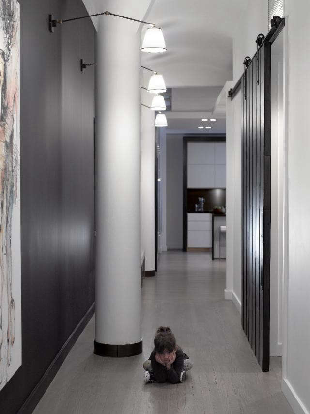 640_black-white-hallway-tribeca-loft