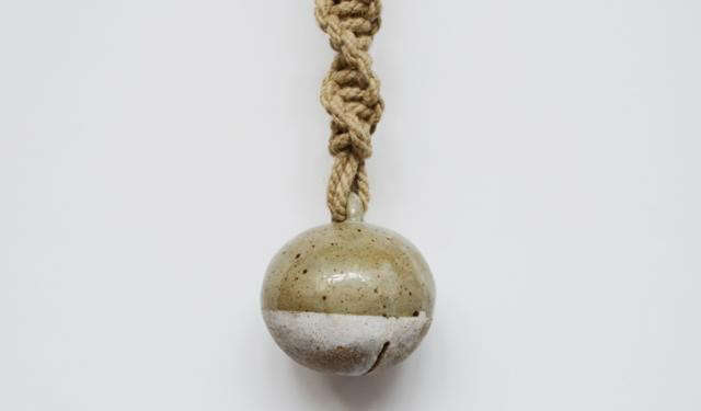 640_detail-of-dipped-jingle-bell-on-twisted-rope-stoneware