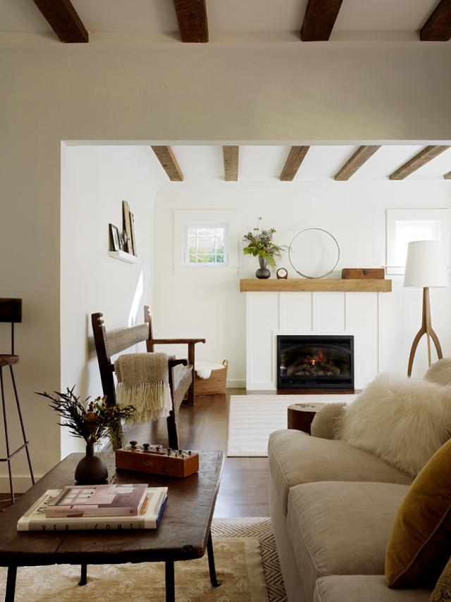 Designer visit san anselmo bungalow by jute interior for Living room 101 atlantic ave boston