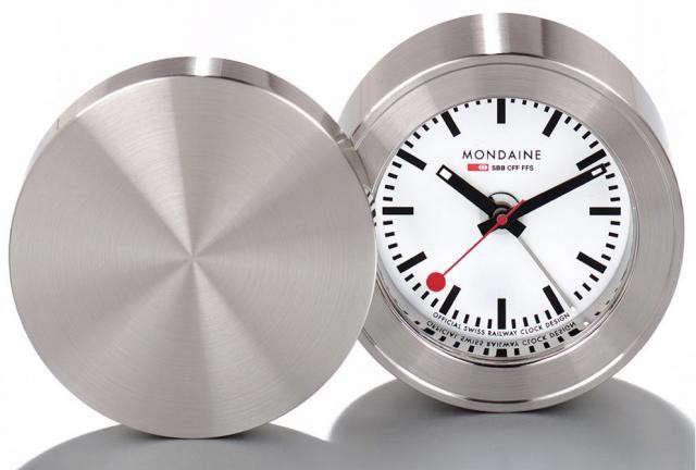 640_mondaine-railway-travel-clock