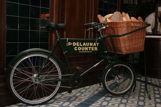 640_the-delaunay-counter-jpeg