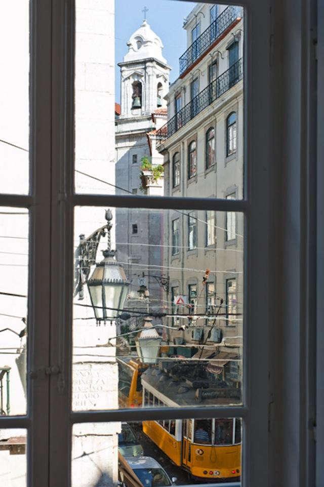 640_window-shot