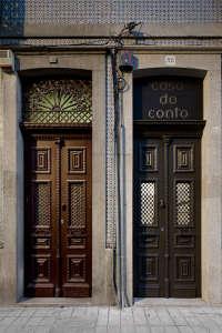 casa do conto, porto architecture, portuguese facade, portugal door