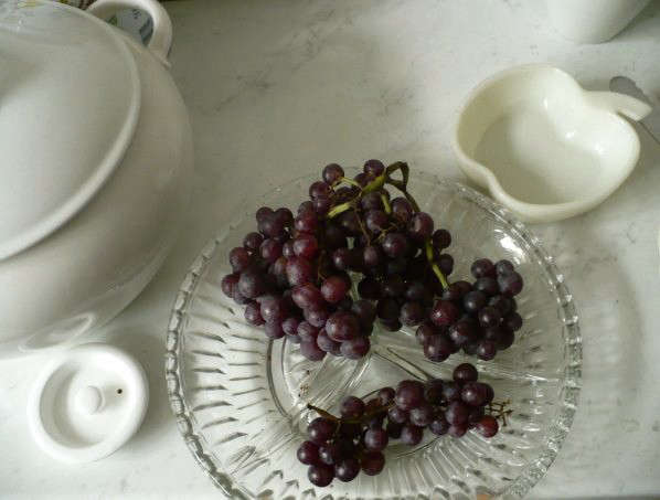 grapes-tablescape-clarisse-demory-sofia-bulgaria
