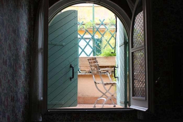 700_arco-dei-tolomei-balcony