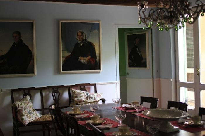 700 arco dei tolomei dining room
