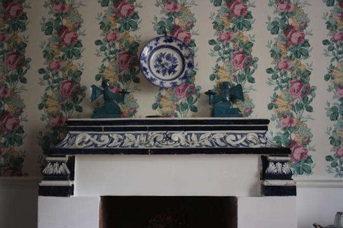 700_arco-dei-tolomei-fireplace-mantle