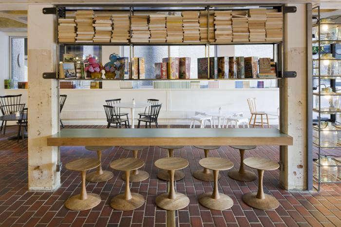 700_barbican-foodhall-reading-area