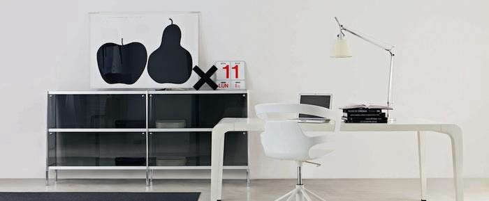 700_black-enzo-mari-apple-pear-print-desk