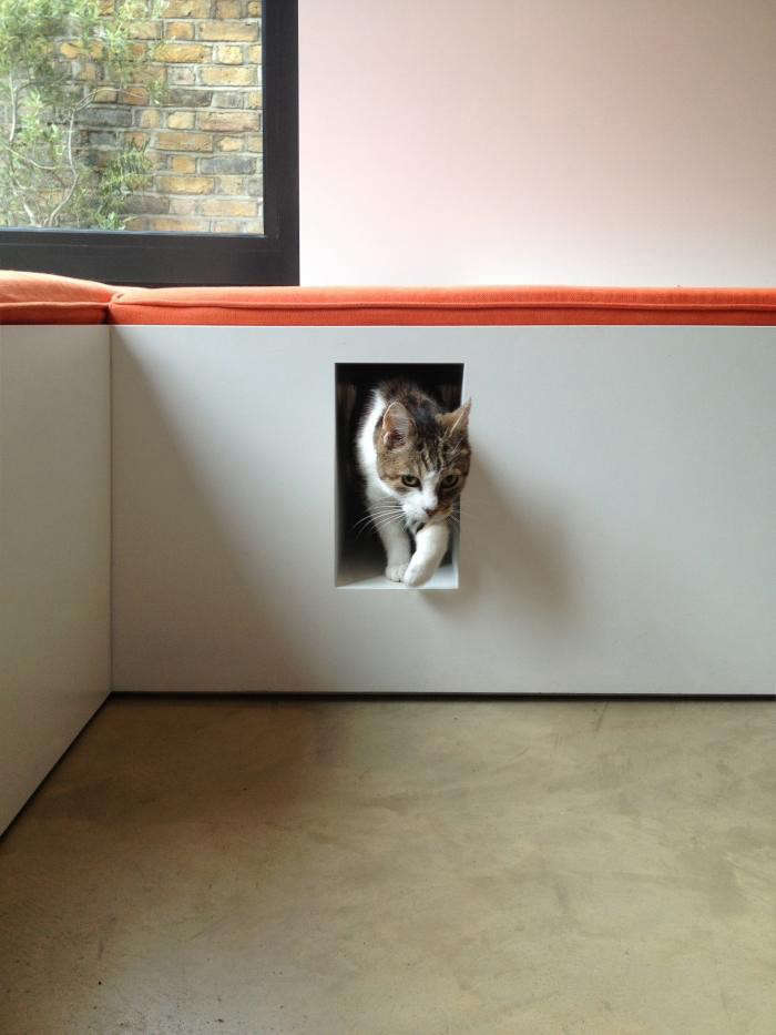 700_book-tower-house-with-built-in-modern-cat-litter-box