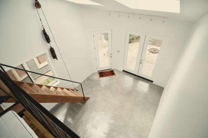 700_concrete-floor-interior-of-photography-studio-by-kartwheel