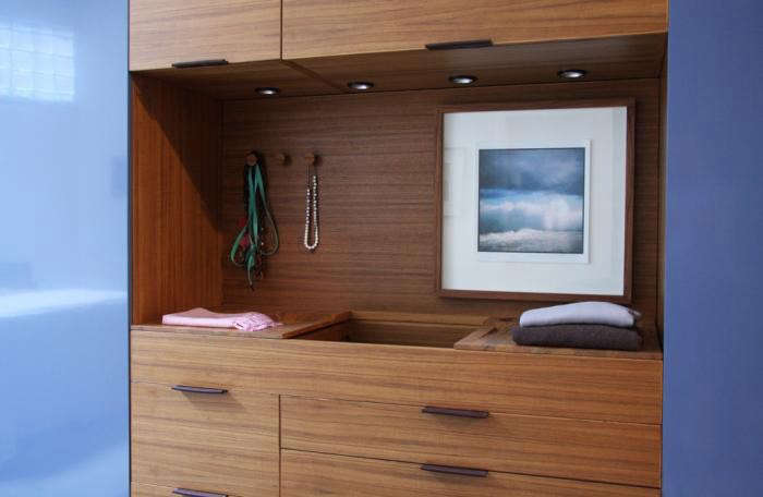 700_henrybuilt-wardrobe-dressing-area-1-small2-jpeg