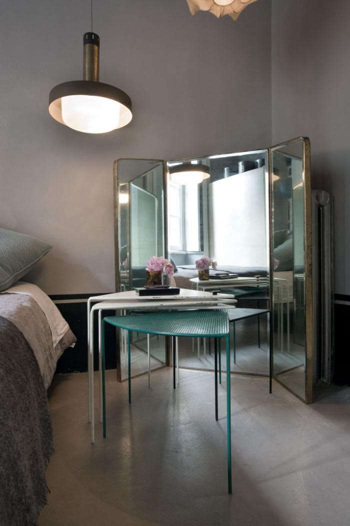 700_italian-apartment-with-full-length-mirrors