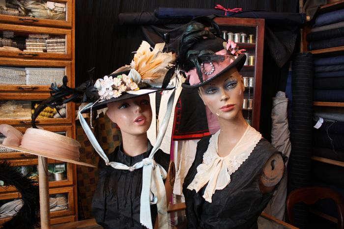 700_ladies-in-hats-wayward