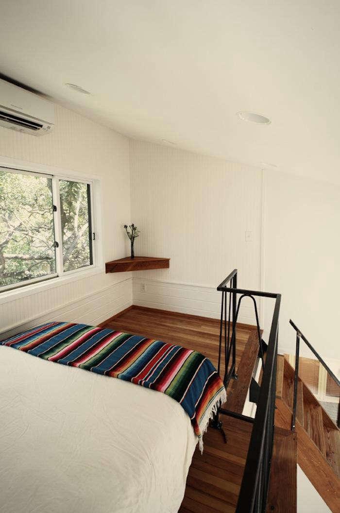 700_lofted-bedroom-in-photography-studio-by-kartwheel